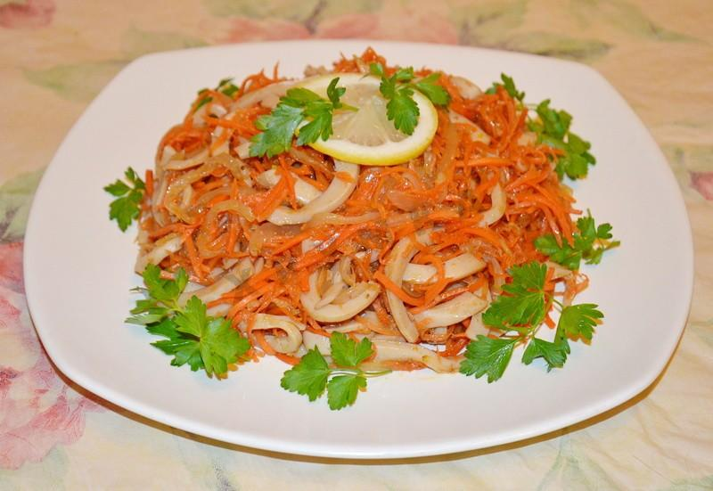 Острый салат из кальмара