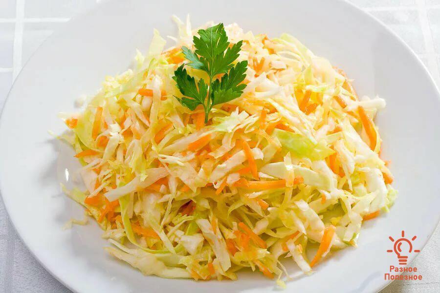 Салат из капусты с морковью. Пошаговый рецепт.