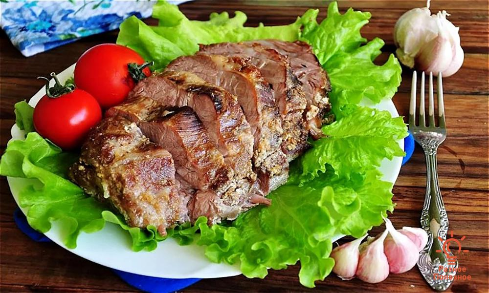 Сочная и мягкая свинина, в фольге запечённая в духовке. Рецепт/фото