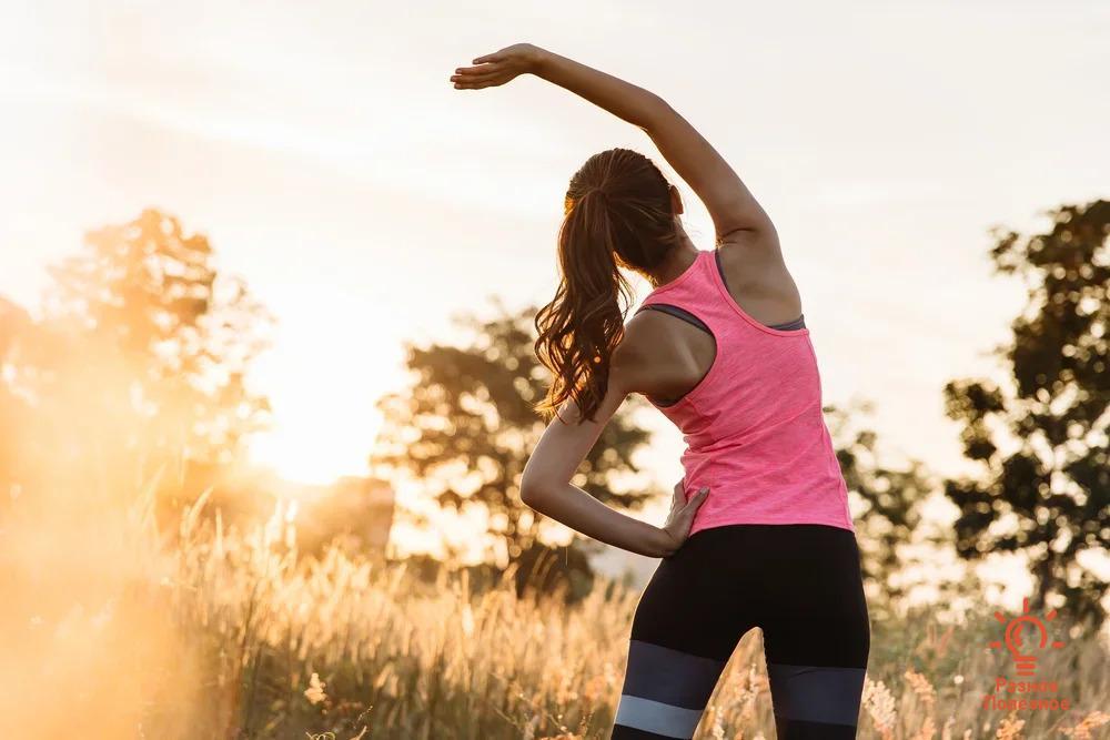 Комплекс упражнений для правильной утренней зарядки за десять минут.